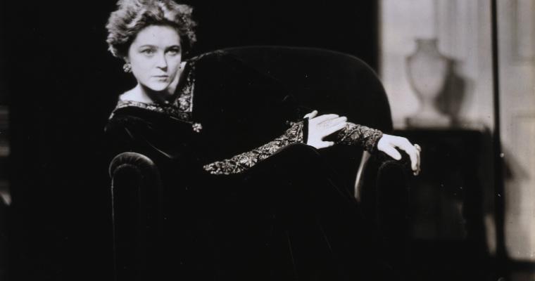 Eva La Galliene2
