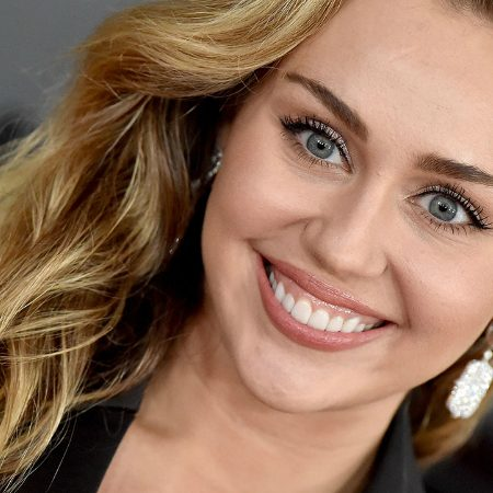 Miley Cyrus backtracks on critical LGBTQ remarks