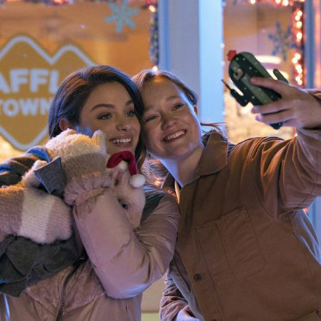 "Netflix's Christmas teen romcom ""Let It Snow"" includes queer love"